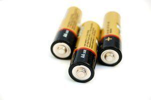 batteries NiMH et NiCd servir le même but, mais ont des propriétés différentes.