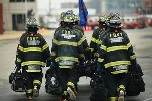 assocations pompiers offrent souvent des bourses d`études pour les membres qui retournent à l`université.