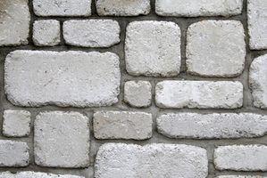 Comment construire des accessoires d`halloween de murs en pierre faux