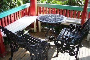 Salon de jardin peut être en fonte d`aluminium qui peut être recyclé.