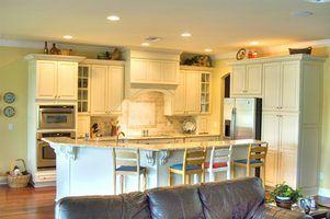 Comment supprimer couleur lasure d`armoires de cuisine