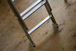 Les escaliers sont très pratiques pour les projets d`entretien de la maison.