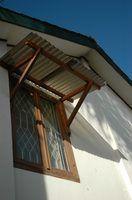 Idées pour la couleur de garniture sur une maison tan