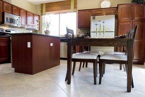 Idées pour peindre une cuisine avec cimaises