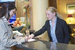 Quelles sont les compétences requises pour les emplois de réceptionniste?